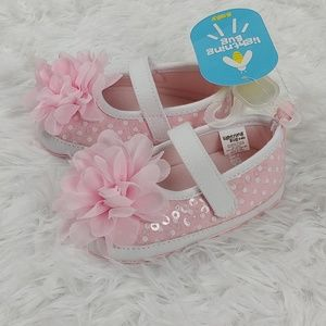 NWT Baby Girl Shoes Flower Pink White